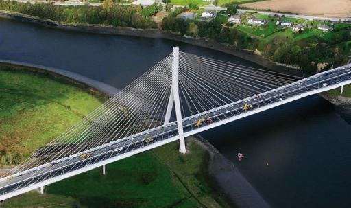 <strong>Puente Atirantado sobre el Río Suir</strong>